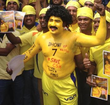 These fans can't wait to cheer for their 'Men in yellow'!