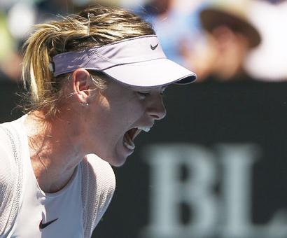 PIX: Sharapova sizzles in scorching Melbourne to reach 3rd round