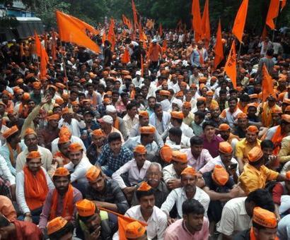 Maratha rally: Thousands head to Mumbai's Azad Maidan