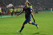 Indian Super League: Marquee Player Diego Forlan Sends Mumbai City FC to Top