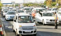 Protesters forcibly open Delhi-Noida toll flyway