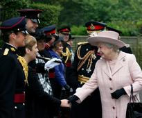 Queen in Royal Engineers visit to help celebrate 300th anniversary
