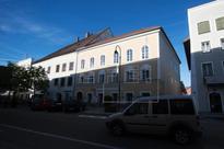 Austria to expropriate house where Hitler was born