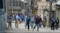 Kashmir unrest: Fearing more protests post namaz, Mehbooba govt banks on curfew, weather gods