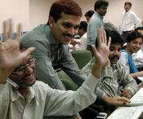 Sensex spurts 281 points as Fed keeps interest rates unchanged