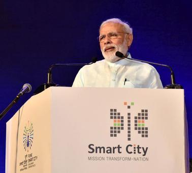 'Modi tells lies and hypnotises people'