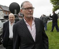 Former England footballer Paul Gascoigne checks into rehab to 'get free of his demons'