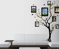 Ideas To Decorate Your Walls With Photo Frames