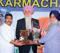RCF Colony Boys felicitate former boxing champ Kaur Singh