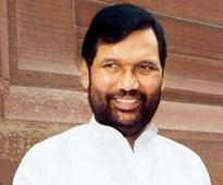 Paswan mocks Nitish for Sangh-Mukt Bharat call