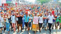 Khulna jute mills workers block road, rail routes