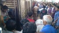 Mumbai local: Woman delivers baby on train at Bhandup station