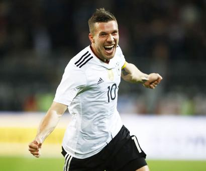 Friendly: Germany's Podolski bids goodbye with stunning winner over England