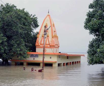 Raging Ganga, Yamuna flood UP; Varanasi, Allahabad worst hit