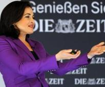 Sandberg tells women to share emotions