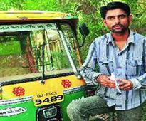 Honesty at its best : Auto driver returns Rs 1.90 cr cheque