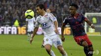 Lyon beat Guingamp to set up Monaco make-or-break clash