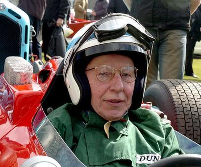 1964 Formula One champion Surtees dies at 83