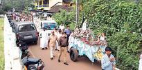 Agonda parishioners take out procession of Our Lady of Fatima