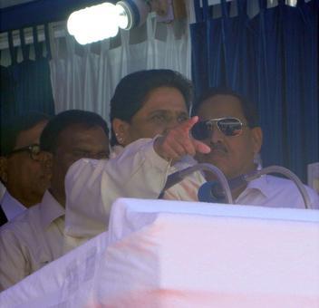 Mayawati attacks Modi, SP; sounds poll bugle at Ambedkar rally