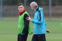 Arsenal star Ozil sends out transfer message to Arsene Wenger
