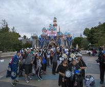 Disney beats estimates, buys video streaming stake to lure web viewers