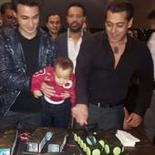 JUST IN: Salman Khan cuts his birthday cake while nephew Ahil eagerly waits for a piece