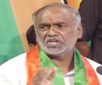 Laxman demands restoration of 26 castes in BC list
