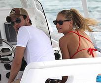 Iglesias and Kournikova getting married next week