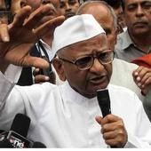 Anna Hazare urges Narendra Modi, Rahul Gandhi to ignite fight against corruption