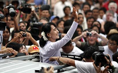 Nobel institute: Myanmar leader can't be stripped of prize