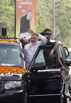 When Prime Minister Modi rode on his SUV's footboard