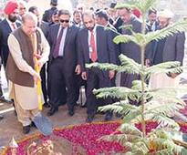 Sharif reaches out to minorities