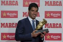 Barcelona: Suarez hopes Messi will follow in new deal