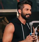 Shahid Kapoor shows off his HOT bod for Padmavati  view HQ pics