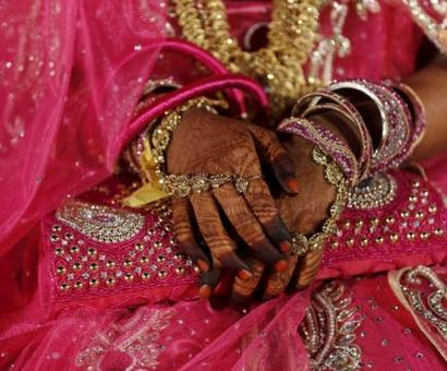Indian woman pilgrim accepts Islam, marries in Pak: Reports