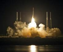 The SpaceX Falcon 9 test rocket lifts off from Space Launch Complex 40 at the Cape Canaveral Air Force Station in Cape Canaveral, Florida, May 22, 2012.