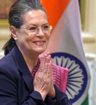 'Acche Din' will soon be 'India Shining': Sonia on 2019 Lok Sabha polls