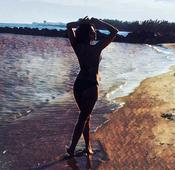 Check out: Priyanka Chopra flaunts her beach ready bikini body