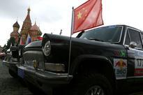 Mao limo lookalikes take on China's Silk Way rally