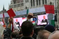 Scuffles disrupt Hungary 1956 revolt anniversary