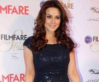Preity Zinta to host a post wedding bash for her Bollywood friends