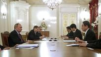 Kishida, Putin discuss isles, economic cooperation