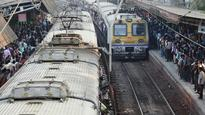 Mumbai: Furious Friday for CR commuters, thousands delayed due to track fracture