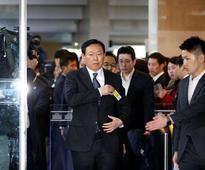Korea corporate chiefs deny seeking favors for donations