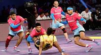 Live Kabaddi score, Pro Kabaddi League (PKL), season 4: Jaipur Pink Panthers 33-31 Bengal Warriors at Sawai Mansingh Stadium