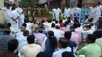 UDF activists protest in front of police station in Haripad