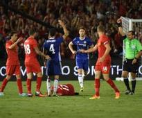 Fabregas sees red as Chelsea beat Liverpool
