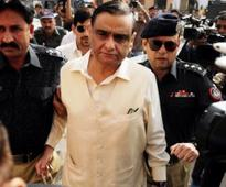 Dr Asim Hussain meets ailing mother at hospital in Karachi