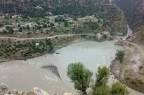 Dulhasti warns people not to move near Chenab